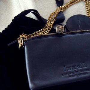 Stylisch ist die erste Leder-Tasche von Nag-All mit Gliederkette goldfarben, das ist ein wunderschönes Geschenk für Frauen.