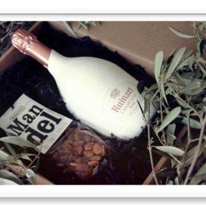 Champagner Geschenk mit Nüssen