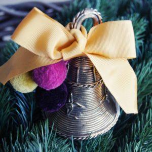 Wunderschön wird das Weihnachtsfest, vor allem mit stilvollen Geschenken von Liebreiz.ch: Zum Beispiel die handgemacht Glocke von Realtime Trust, alles zu Gunsten des Realtime Trust!