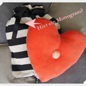 Das süsse Herz-Kissen von Meri Meri kommt bei uns in personalisierbarem Geschenk-Beutel. Ein Geschenk das von Herzen kommt.