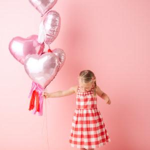 6 Folienballone mit oder ohne Helium zu verwenden - Geschenke zur Party und viele Präsente von Gross bis Klein finden Sie in unserem Online Geschenke-Shop der Schweiz.