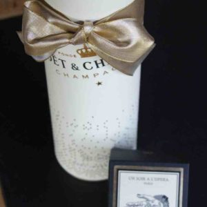 Champagner in Geschenkbox mit Kerze
