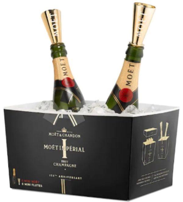 Für Parties aller Art ist das Sixpack der Moet Mini-Champagner mit Aufsatz für Ihre Stehparty der stilvolle Hingucker.