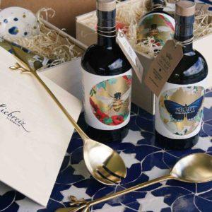 Geschenkset Olivenöl mit Salatbesteck vergoldet