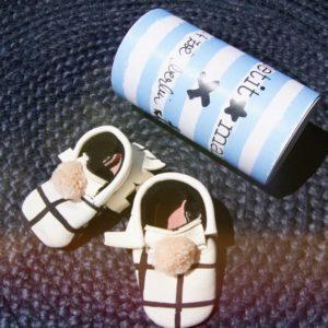 Babyschühchen von Petit Mai in schöner Box