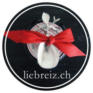 Wir suchen für Sie wunderschöne Geschenke und verpacken diese mit viel Hingabe, so dass für Sie gilt: Stilvoll Schenken leicht gemacht - Ihr Geschenke-Fullservice für die Schweiz!