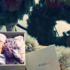 Schöne Geschenkbox für ein Baby Mädchen