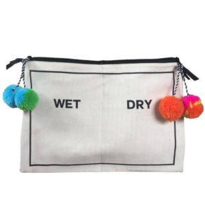 Beach Pouch WET & DRY von Bag-all ist ein wahres Sommer-Lieblingsteil und optisch ein Hingucker und mit dem wasserfesten Innenfutter und Unterteilung einfach perfekt