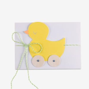 So eine tolle Überraschung, mit der passenden, süssen Geburtstags-Karte zaubern Sie dem Beschenkten ein grosses Lächeln ins Gesicht. Geschenke auch Zur Geburt finden Sie bei uns.