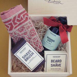 Die Geschenkbox was Mann braucht Morning, ist mit allerlei nützlichen und tollen Produkten gefüllt, welche den Mann erfreut und in den Tag begleiten wird.