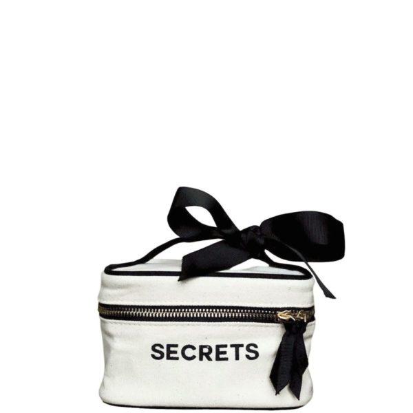 """Eine süsse kleine Box """"Secrets"""" als Geschenk für stilvolle Frauen ideal - personalisierbar!"""